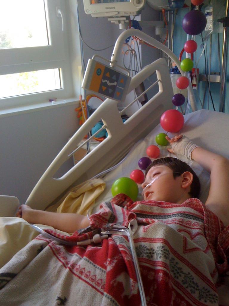 au cours d'une hospitalisation, 10 ans